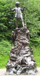 Statue de Peter Pan à Kensington Gardens, Londres, Royaume-Uni