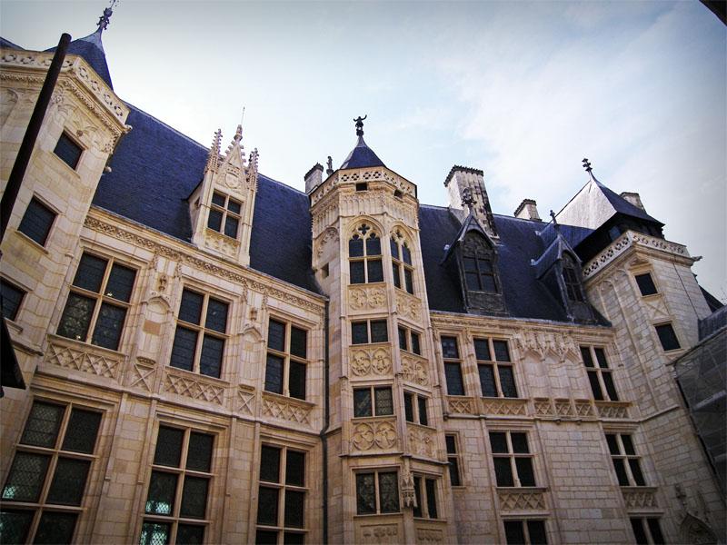 palais-jacques-coeur