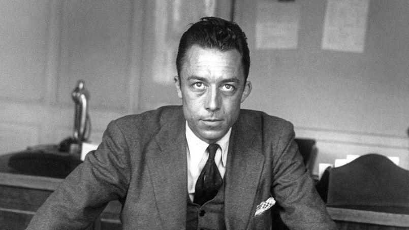 Albert Camus (1913-1960) ecrivain ( prix Nobel de litterature en1957), journaliste redacteur en chef du journal Combat de 1944 a 1947 ici dans son bureau a