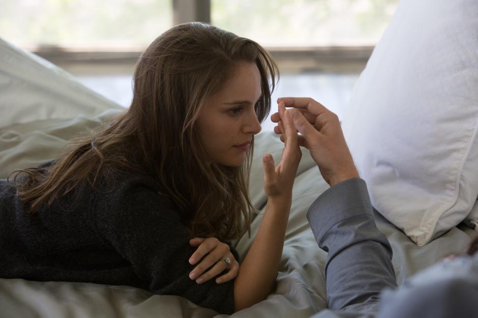 Elizabeth (Natalie Portman)